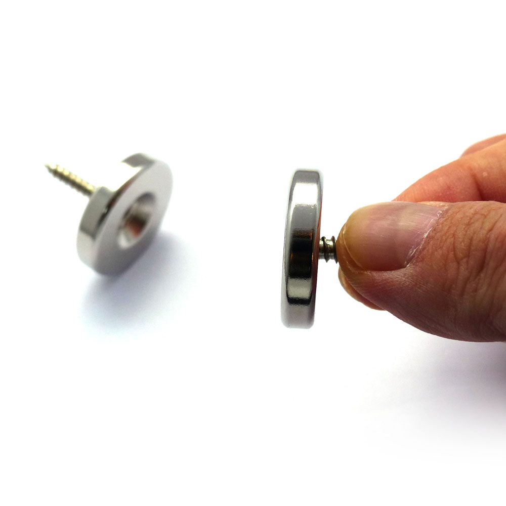 Countersunk Magnet with Screw Flushed